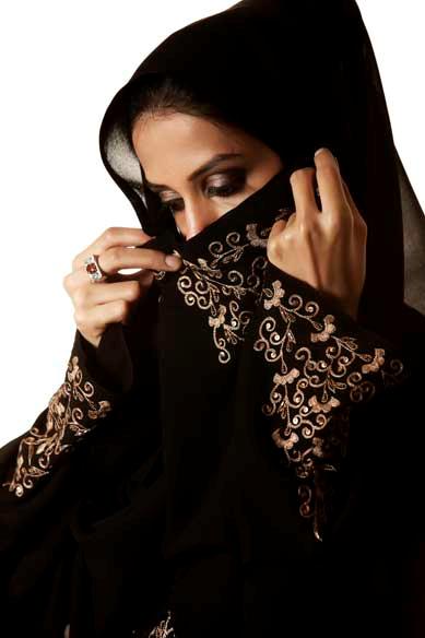 Femeilor din Arabia Saudită li s-a permis să intre în restaurante pe aceeași ușă ca și bărbații