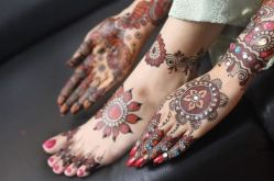 latest-mehndi-designs-for-hnads-and-legs-newstyle-pk-343444-15