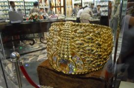 najmat-taiba-star-of-taiba-is-the-worlds-largest-gold-ring_bDXmf_48
