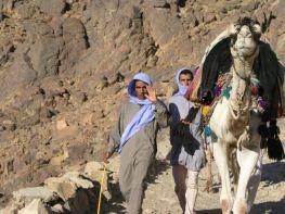 beduindinnerandcamelrid