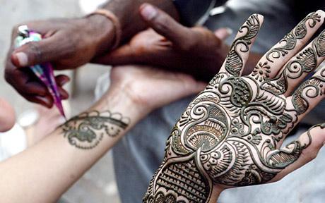 Unde gasesc henna pentru tatuaje