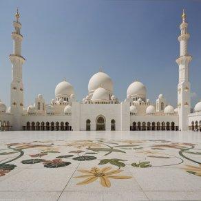 Moscheea-Sheikh-Zayed-Abu-Dhabi