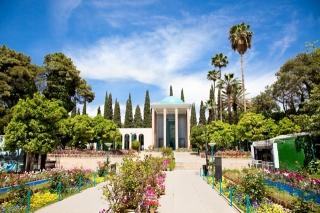persian-gardens-tomb-saadi-poet-shiraz