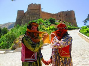 8143778-traditional-clothing-of-lore-people-some-women-still-wear-like-this-in-some-villages-and-cities-of-Lorestan-province-0